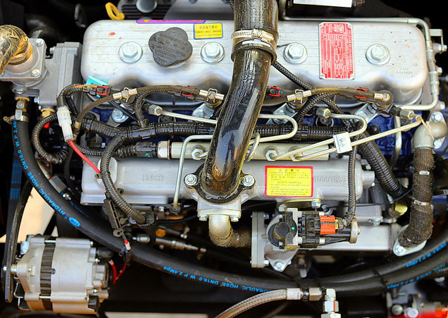 宝鼎95B轮式抓木机动力部件