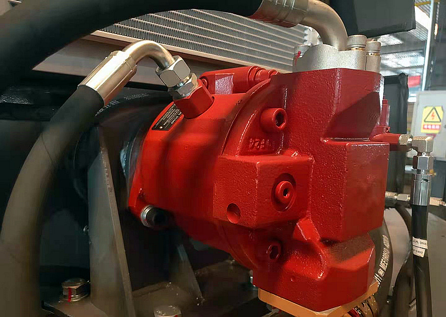 宝鼎95B轮式抓木机负载敏感柱塞泵系统