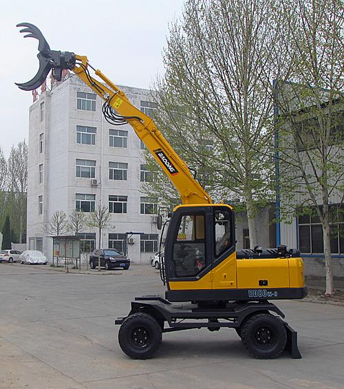 宝鼎BD80W-8A轮式抓木机实车展示图A