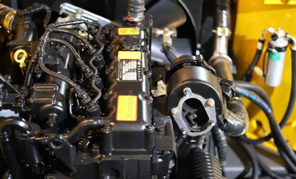 宝鼎BD80轮式挖掘机动力部件展示