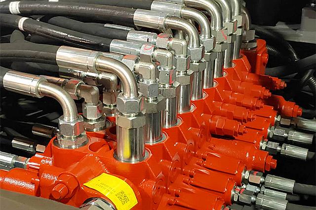 95S抓木机液压系统部件