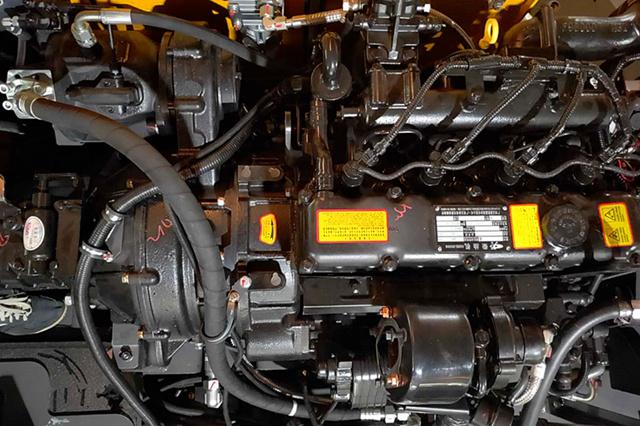 95S轮式抓木机动力部件