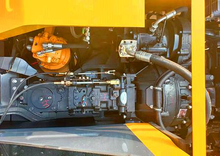 宝鼎105轮式挖掘机型号进口液压系统