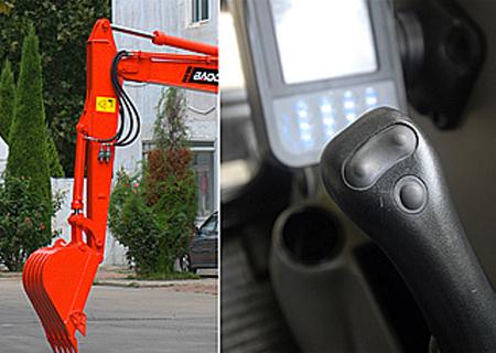 宝鼎BD80W轮式挖掘机操控轻便
