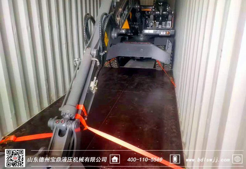 出口轮式挖掘机装柜