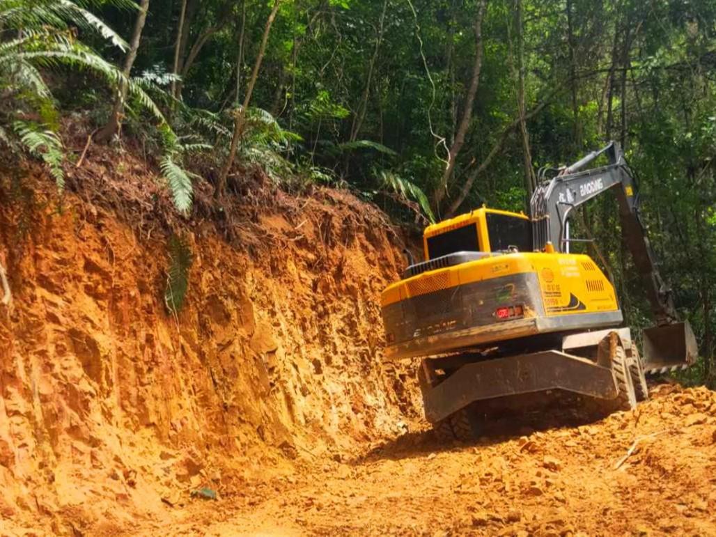 宝鼎95轮式挖掘机