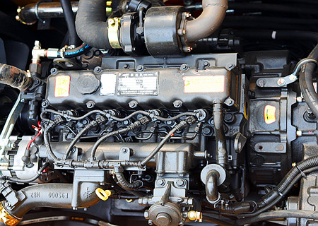 105轮式抓木机动力部件