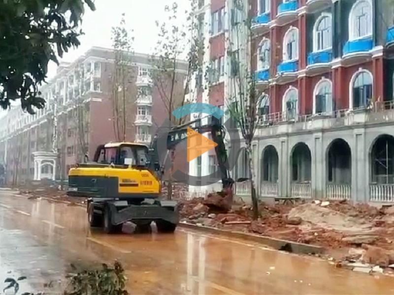 宝鼎轮式挖掘机抓木机