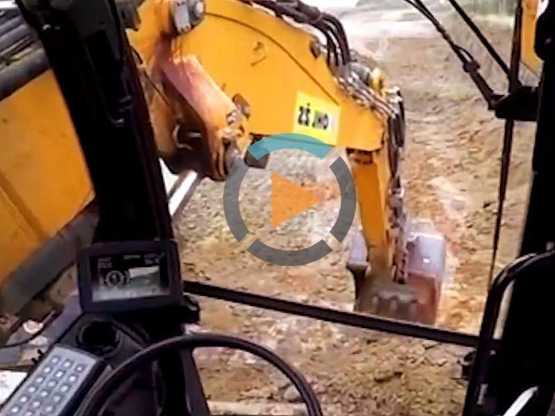 轮式挖掘机操作视频