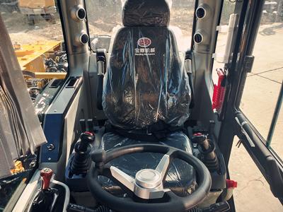 宝鼎95轮式抓木机驾驶室部件