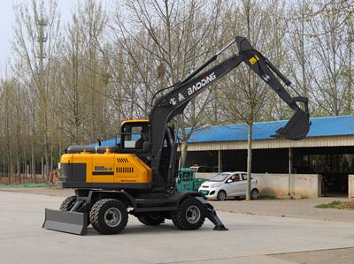 BD95W轮式挖掘机图片