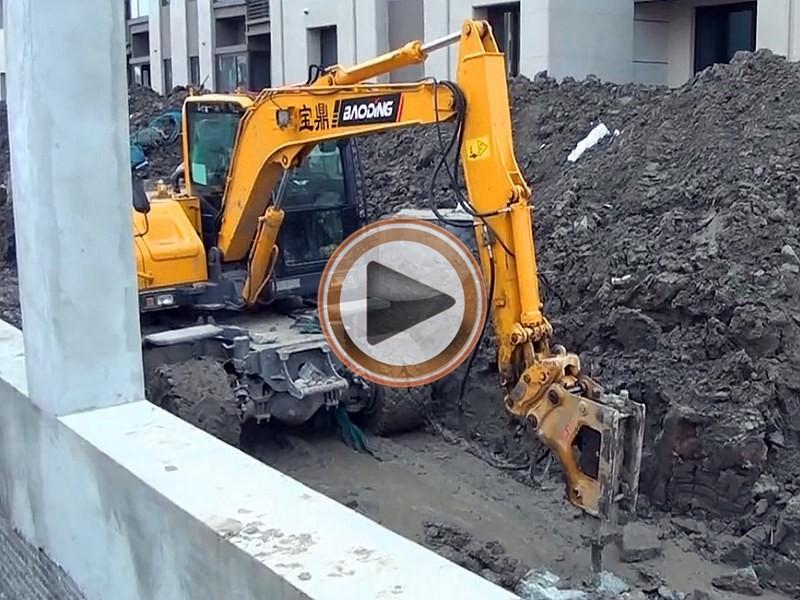 宝鼎80轮式挖掘机视频