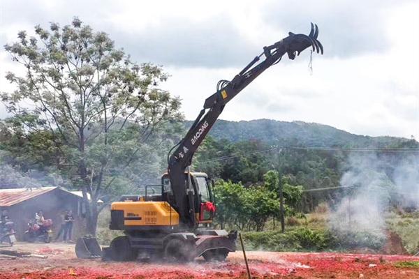 95轮式挖掘机