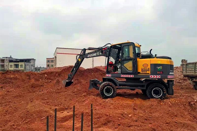 宝鼎95轮式挖掘机型号施工
