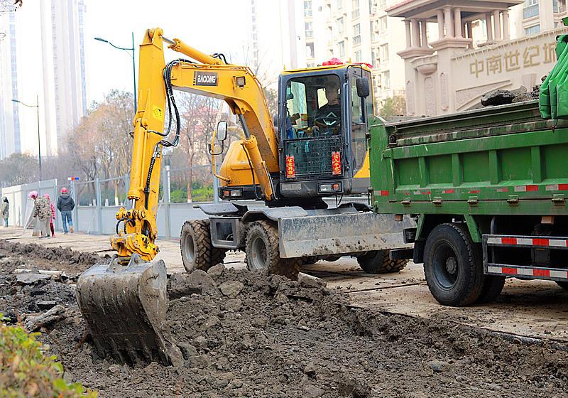 宝鼎80液压轮式挖掘机型号