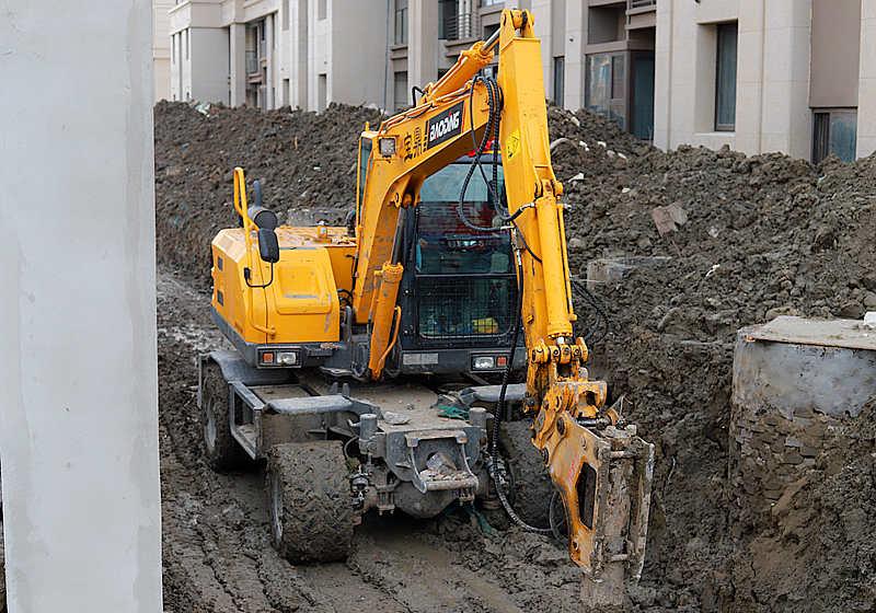 宝鼎液压轮式挖掘机