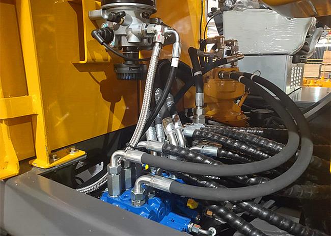 宝鼎80轮式挖掘机液压系统