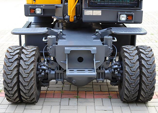 80轮挖下盘设计