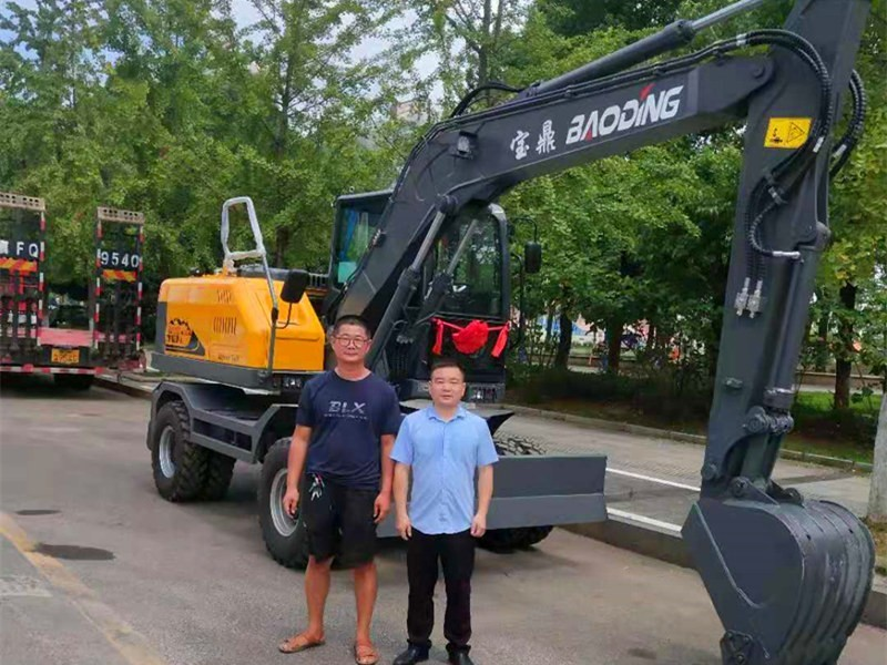 湖北轮式挖掘机