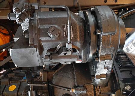 轮式抓木机液压系统