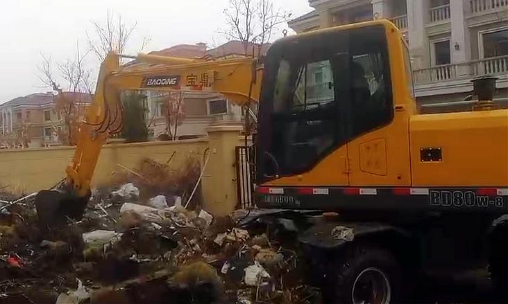 轮式小挖掘机